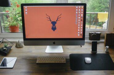 How to Clean MacBook Screen