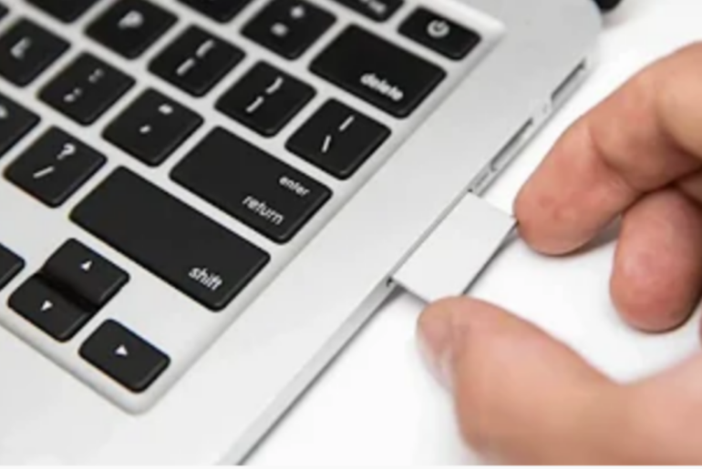 You sent Today at 20:49 How to Format SD Card on Mac